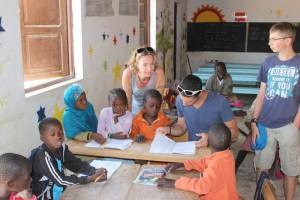 L'association en visite à l'école de Wandié